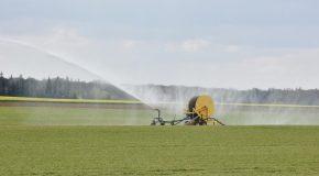 Varenne de l'eau : des bassines pour conforter une agriculture inadaptée